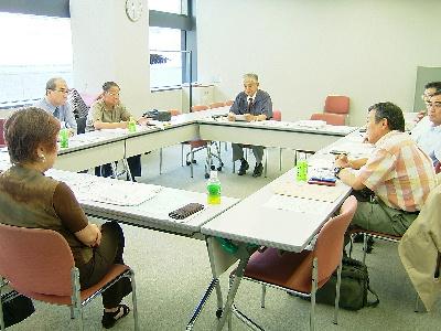 日肝協常任幹事会の会議風景